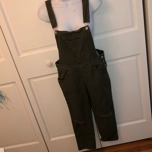 FOREVER 21 ARMY GREEN DISTRESSED DENIM OVERALLS S